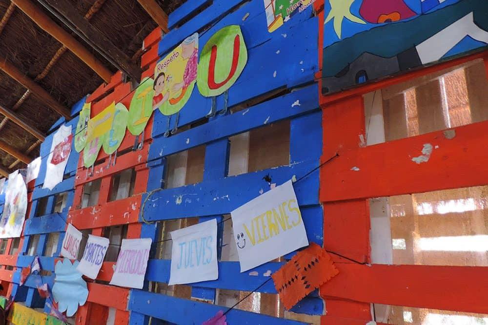 Interior 4 Kinder el porvenir en las afueras de la ciudad de Cancun Qroo. Foto Arquitecturazul.